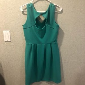 Dresses - Light green dress size 14